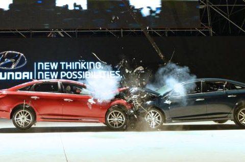 اگر در تصادف رانندگی هستید، چه باید بکنید؟